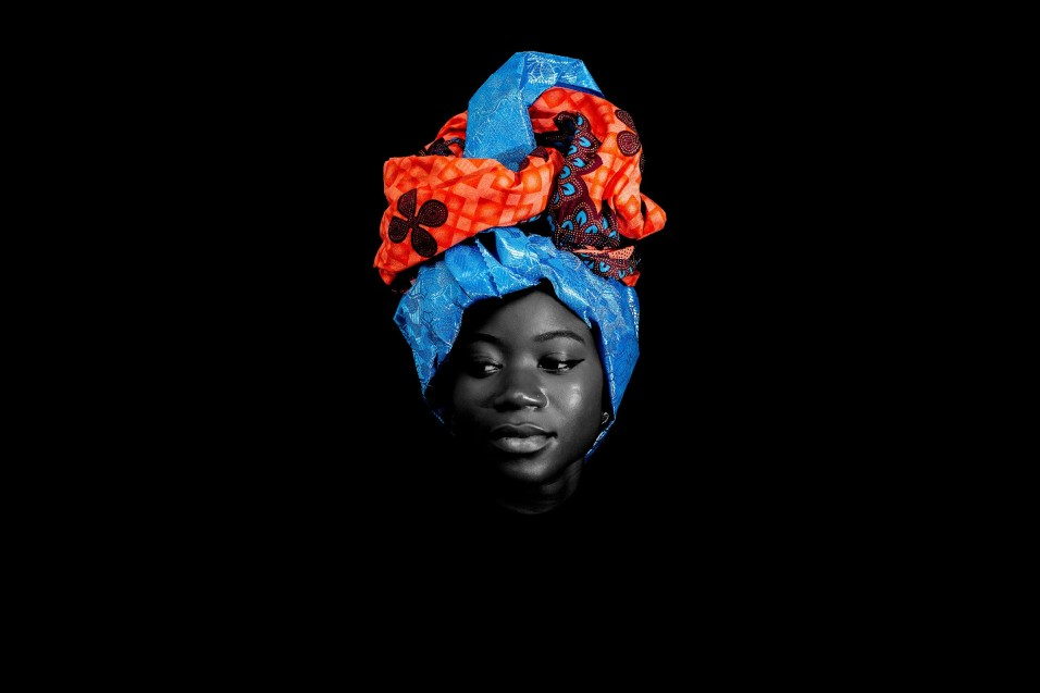 Steve Mvondo, Crown of Beauty (2016). Courtesy the artist.